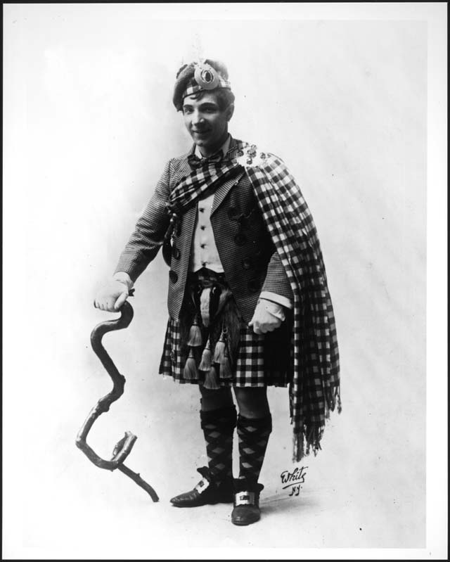 Sir Henry (Harry) Lauder (public domain)